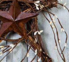 GRAPEVINE STAR WITH RICE BERRIES AND TIN STAR, 8.75 IN. X 6.