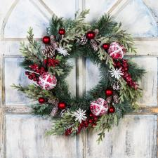 CHRISTMAS WREATH WITH FABRIC CHECK ORNAMENTS, SNOW FLAKES AN